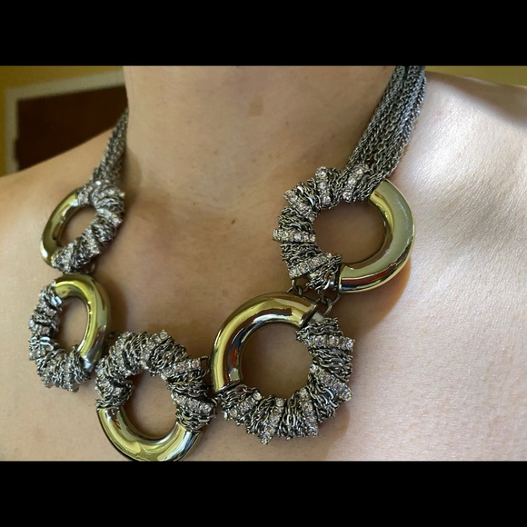 Banana Republic 5 ring statement necklace